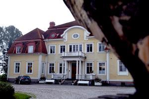 Ägarna av herrgården i Torpshammar nekas att överklaga bygg- och miljönämndens beslut om att bevilja Heblico AB bygglov för asylboende och hotellverksamhet.
