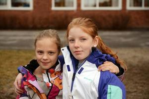 Elin Granlund och Elsa Johansson går i fjärde klass och säger att de ser fram emot att prata om böcker med kompisar.