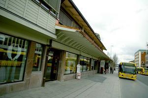 Berndt Sehlstedt från Vällingby tycker att Stortorget borde ta över Busstorgets gamla namn.