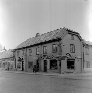 Källgatan - Stora gatan.