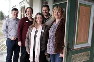 Hans Jonsson, Elisabeth Eriksson, Gun-Marie Swessar, David Parhans och Anna Rudman ställer upp i höstens kommunval i Ovanåkers kommun.
