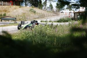 Ett udda inslag – Robert Svensson från Söderhamn körde en Formel basic-bil i den fria klassen.