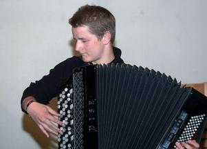 Den duktige dragspelaren Johannes West spelade solo Humlans flykt och tillsammans med flöjtisten Sara Engman, Sicilienne.