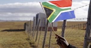 Den 18:e juli fyller Nelson Mandela 94 år. Res i hans fotspår.