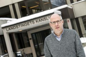 Upp med 50 miljoner. I dag äger landstinget sammanlagt 1524 miljoner i aktier och räntepapper, redovisar Lars Halén.