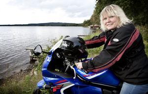 Ännu är det ingen is i sikte för Maria Sandin. Men när den har kommit är det dags att börja träna med motorcykeln inför tävlingsdebuten i Filipstad på senvintern.