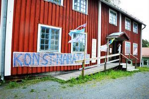 Vernissagerna bytte av varandra i rask takt i Järpens kulturhus.