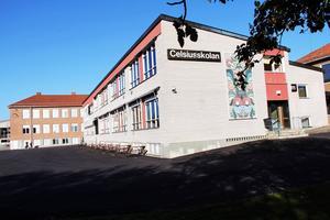 Att med jämna mellanrum följa upp elevernas resultat är en del i att komma till rätta med den låga behörigheten till gymnasiet i Ovanåkers kommun.