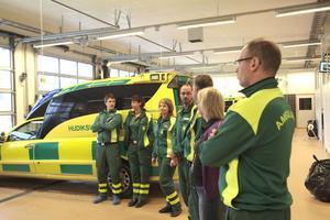 Hudiksvalls nya ambulansstation är invigd. Den är redan tagen i bruk och lokalerna är fräscha och ändamålsenliga,