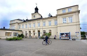 Falu kommun köper järnvägsstationen samt ytterligare tre fastigheter av Jernhusen.