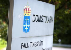 En ung man från Borlänge har åtalats vid Falu tingsrätt misstänkt för ringa narkotikabrott.
