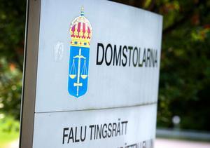 Två män, hemmahörande i Ludvika kommun, åtalas misstänkta för bland annat rån.