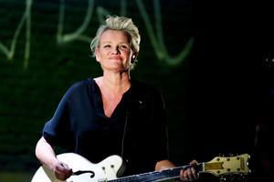 Eva Dahlgren är en generös artist som inte lämnade scenen förrän efter närmare två timmar utan paus.