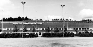 Rocklundahallen var en av landets första inomhushall för ishockey när den stod klar 1965. År 2006 sålde kommunen hela Rocklundaområdet till ett privat bolag och året efter rustades Rocklundahallen upp och  fick namnet ABB Arena Nord.Fotograf: Sarko Amin / Vlt Arkiv.