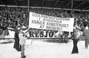 Broberg vann tre matcher på Söderstadion. Läktarmatchen, PR-matchen och matchen på planen. Supportrarna hade också ett tydligt budskap: En konstfrusen plan.