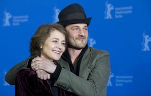 Charlotte Rampling filmar med sin son Barnaby Southcombe.
