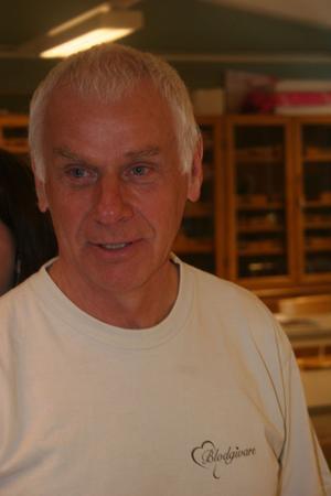 Bergsjöläraren Kjell Bergström blir om han själv inte tvärbromsar, Miljöpartiets toppkandidat kommunvalet 2010