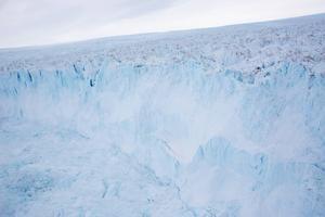 Glaciärer växer och krymper, påpekar skribenten.