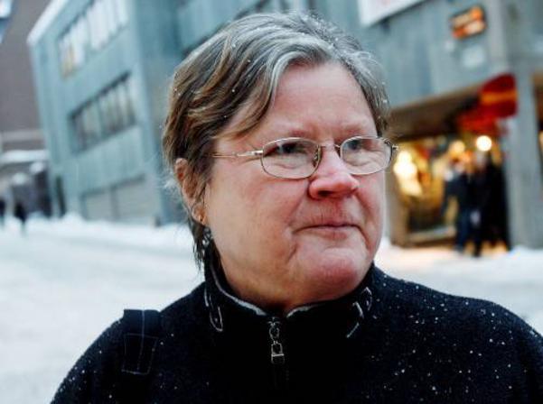 Ingrid Irhen:– Någon gång ibland köper jag Trisslotter på sjukhuset. Har vunnit på Bingo Lotto en gång och då vann jag 10 000 i färg och tapeter och 15 000 i resor.