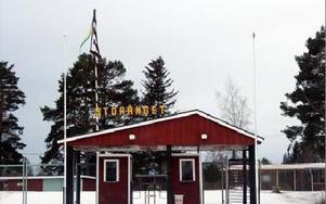 Här på folkparken i Nås har idrottsföreningen arrangerat danser och påståendena att man arrangerat logdanser i Lindesnäs är inget som styrelsen gett något mandat till. FOTO: LEIF OLSSON