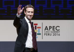 Facebooks grundare Mark Zuckerberg. En av de åtta personer som tillsammans äger lika mycket som hälften av jordens befolkning, enligt Oxfam.