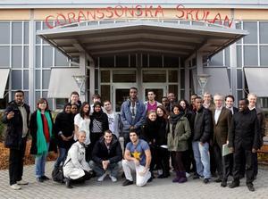 Gruppen med Tenstaungdomar, under ledning av Tord Magnusson, åt lunch på Göranssonska skolan.