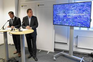 Ardalan Shekarabi och Stefan Löfven presenterar regeringens första flyttpaket.