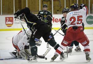 Det var tätt och tufft när Alfta slog topplaget Skedvi/Säter på fredagskvällen.