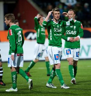 Niklas Sandberg har skrivit på ett nytt 1-årskontrakt med IK Brage.