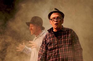 Tobias Gruhs och Hans-Erik Bergman i en sketch i årets upplaga av Björborevyn. Det blir dock ingen fortsättning för revyn nästa år. Foto:ClaesSöderberg