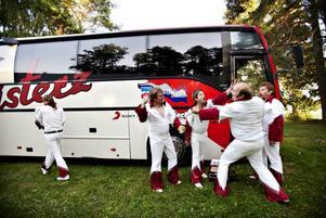 Larz-Kristerz  med turnébuss.