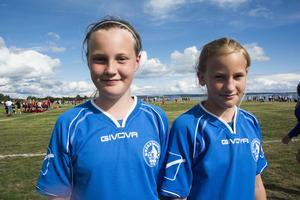 Amanda Jäderholm, 11, och Elin Egland, 12, deltog i cupen med laget Härnösands SK.