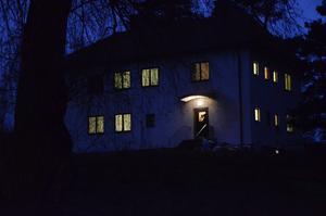 Inflyttning. De första asylsökande har fått sin bostad i annexet på Gärdshyttan.
