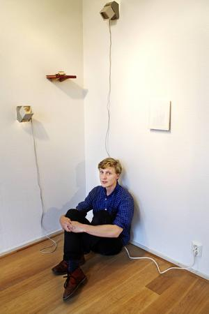 Petter Dahlström Larsson är en av tre som får konststipendier ur Grafström-Sandqvistska fonden.