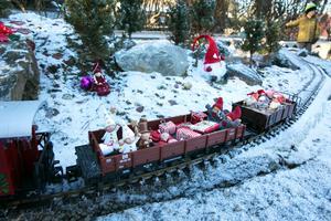 På lördag rullar jultåget i Djura igen.(arkivbild)