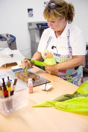 Tryffel eller ganache  som det även kallas är gjord av smör, grädde och choklad med smaksättningar av likör, bär puré eller som nu öl.