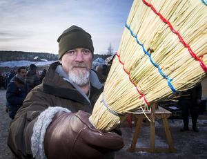 Pär Carlvik från Yttertänger köpte nya handskar och en kvalitetssop vid Gruvan.