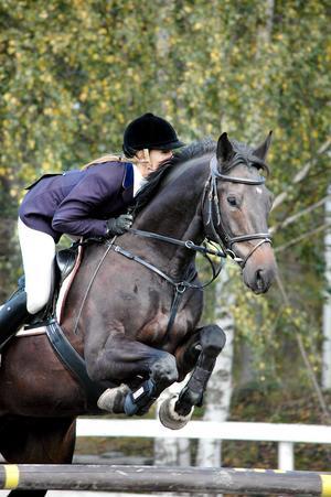 Cecilia Mårtensson, Delsbo, red Camilla Sundqvists Colon till en sjunde plats i 1,15-klassen