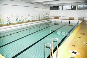 Badbassängen i Gäddede är väl underhållen. Strömsunds kommun satsar dock på en bättre och effektivare badvattenrening.