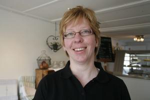 Anita Lithner och hennes familj driver café och butik hemma på gården i Yttre.
