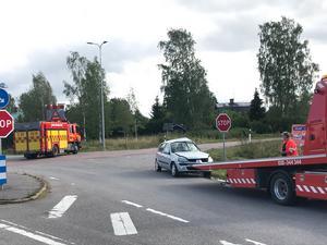 Vid 14-tiden på torsdagen kom en bil, av okänd anledning, ut i korsningen mellan väg 513 och väg 68. Olyckan skedde i höjd med Torsåker.