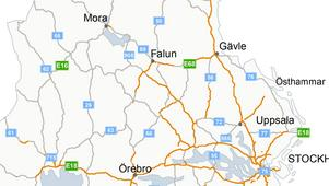 Karta: Trafikverket.Orangemarkerade sträckor visar mötesfria vägar – en vägtyp som varje år räddar ungefär 80 liv i landet.