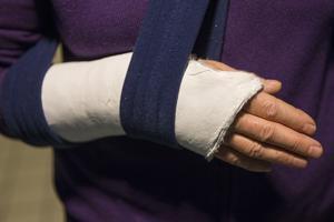 Under förra året fick 1300 gävleborgare över 65 år sjukhusvård till följd av en fallolycka, skriver insändaren.