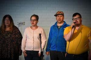 Gisela Löfstedt, Sara Berggren, Andreas Johansson och Tommy Nilsson från Mixen uppträdde på PRO: månadsmöte i Bjästa förra veckan.