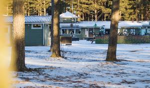 Säsongen på Stenö Camping är kort och utan en ordentlig restaurang tror inte Thomas Gunnarsson att den går att förlänga.