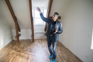 Greger Perssons vision är att alla lägenheter ska ha samma standard som de som redan färdigställts.