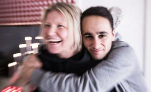 Kristin Elverum och Hajar Goran lärde känna varandra genom fotbollen.