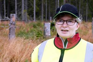 Anna Marntell hos Skogsstyrelsen säger att hon aldrig upplevt värre älgskador i länet än efter denna vinter.