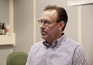 Gamla returglaslinjen från 1988 var utsliten, säger Mattias Åhman som förmodar att nya tappningslinjen har en livslängd på max 25 år.