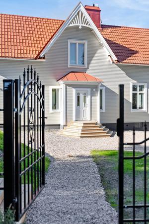 Villan på Fridhemsgatan har ett utgångspris på nära 8,7 miljoner kronor. Bild: Fastighetsbyrån